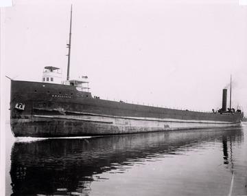 D.M. Clemson - Port side bow view, about 1905.