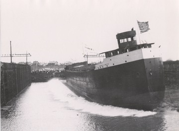 Fr. Edward J. Dowling, S.J. Marine Historical Collection: Henry B. Smith at her launching in 1906.