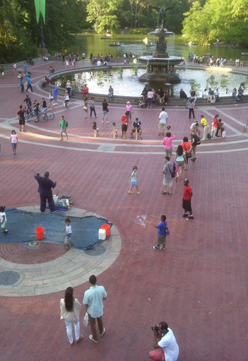 Maurice Greenia, Jr. Collections: Bubble Maker, Bethesda Fountain, Central Park. New York City, 2014