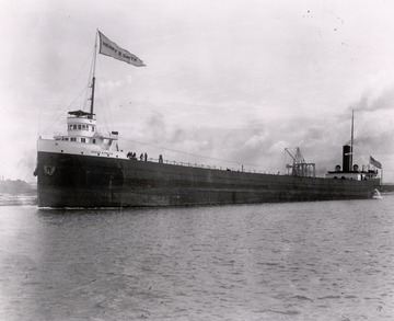 Fr. Edward J. Dowling, S.J. Marine Historical Collection: Henry B. Smith underway without cargo about 1910.